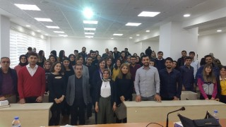 Hukuk fakültesi öğrencilerinden panel