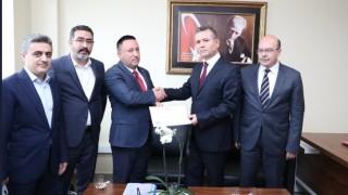 AK Partili Hüseyin Beyoğlu mazbatasını aldı