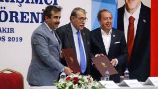 Eski İçişleri Bakanı Abdülkadir Aksu, Diyarbakır'da mikro kredi ödül törenine katıldı