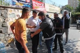 Diyarbakır'da okul önlerinde uyuşturucu ve güvenlik uygulaması
