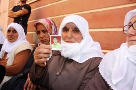 Çocuğu dağa kaçırılan Ağrılı anneden HDP önünde eylem yapan ailelere destek