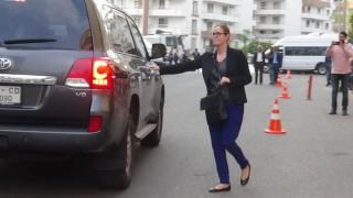 Kanada Ankara Büyükelçiliği 2'nci katibi HDP'yi ziyaret etti, aileleri görmezden geldi